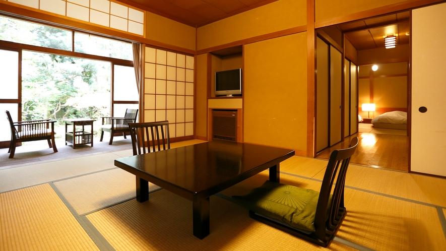 【本館和室54㎡】1室1室の表情が異なるしつらえ、菊屋本来の落ち着いた雰囲気の和室