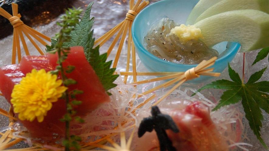 【夕食】季節のお造り一例 伊豆の名物生わさびと一緒にご堪能下さい