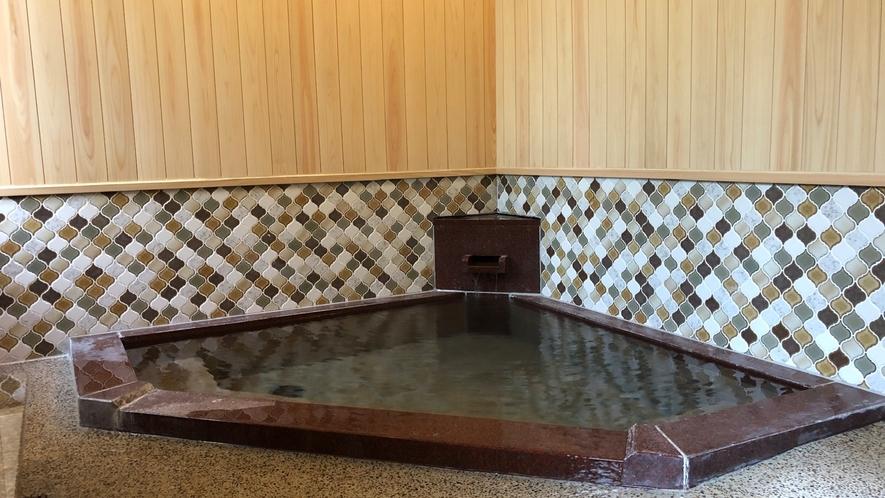 【無料貸切風呂:内湯】「岩戸の湯」菊屋で1番熱い源泉掛け流し温泉、お好みの温度に調節して湯ったりと