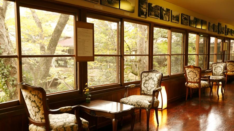 【館内回廊】日常の喧騒から離れ、静かな時間が流れる菊屋で癒しの時間をお過ごし下さい