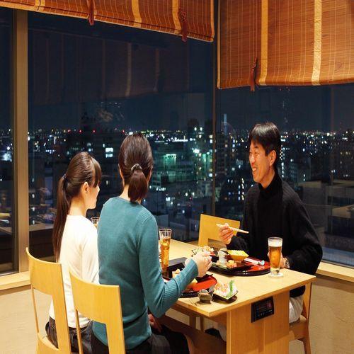 椿山荘 夕食雰囲気