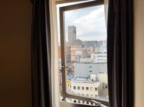 客室の窓:開放可能です!空気の入れ替えOK