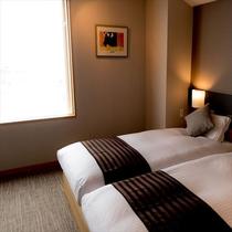 【和モダン客室】ベッドスペース:昼風景
