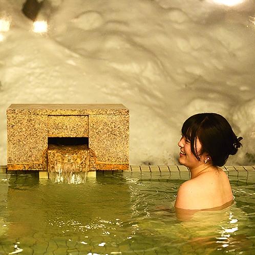 【本館1・2階 大浴場】冬は雪見風呂で長湯。じっくりゆっくり浸かってくださいね♪