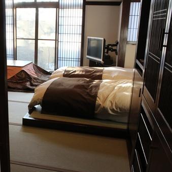 【養老】本館1階 和室14畳 和ベッド