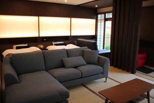【勇泉】本館1階 和室19畳 セミダブルベッド