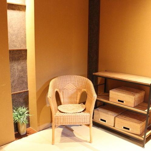 【福寿草】脱衣室