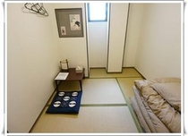 【シングルルーム】 ★バス・トイレ共用 ★無線、有線LAN無料接続