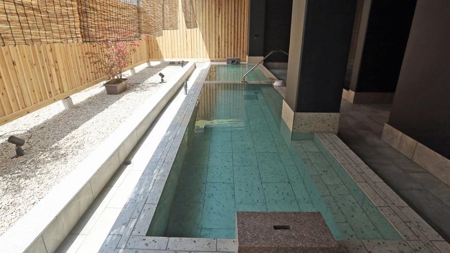 女性大浴場「瑠璃の湯」露天風呂