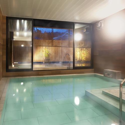 男性大浴場「琥珀の湯」内湯