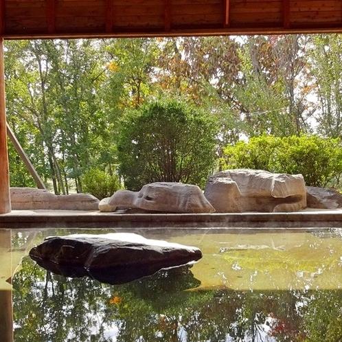 パノラマ大露天風呂/季節の移ろいをおたのしみいただけます