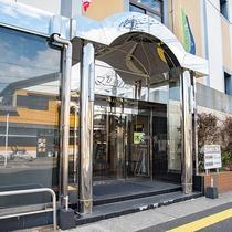 *【外観】西都市で唯一のシティホテル。全室インターネット完備です!