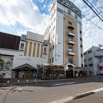 *【外観】西都市で唯一のシティホテル。ビジネス・観光にご利用ください!