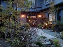 静寂な中庭