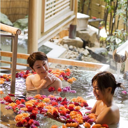 桜の抄のバラ露天風呂