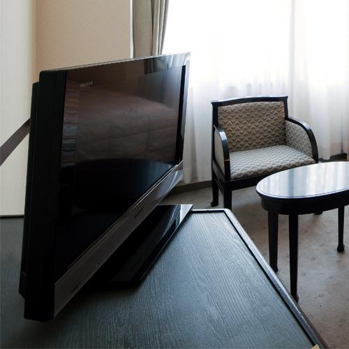 客室に液晶テレビ設置しています。