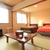 和室とツインベッドの2間ある和洋室タイプ
