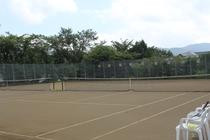 テニスコート♪木立の中でプライベートテニスが楽しめます♪