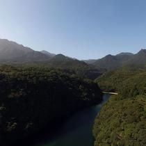 【安房川】カヤックや釣りを楽しむ人で賑わいます