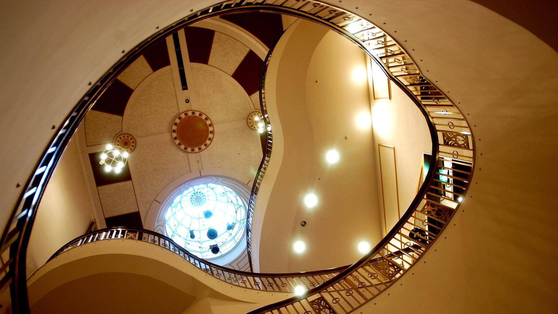 館内螺旋階段
