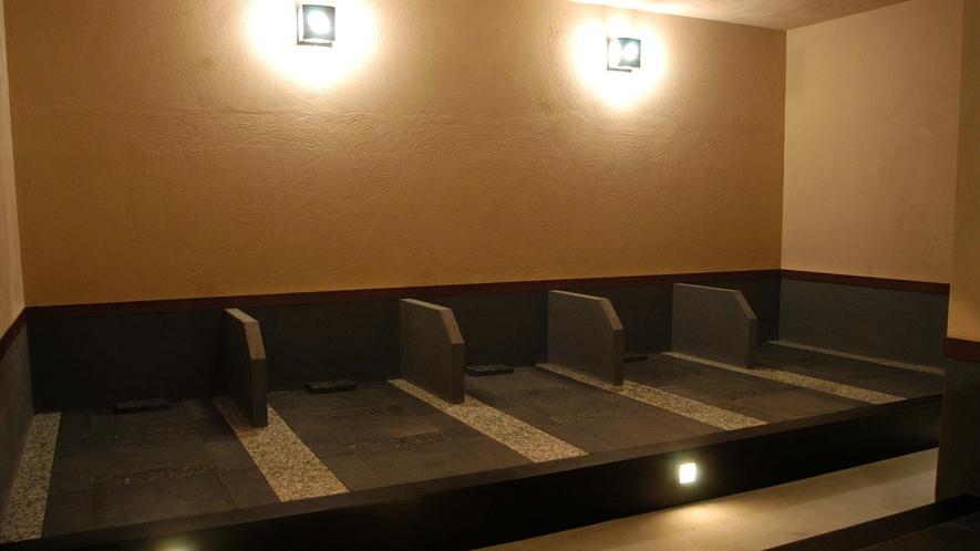 14階天然温泉「カルロビ・バリ・スパ」内岩盤浴「癒の花」