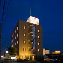 *【外観(夜)】富士山、駿河湾、伊豆半島など観光地へのアクセスも便利!