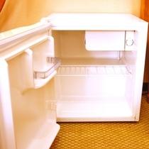 空の冷蔵庫を設置しております。スイッチを入れてご利用ください。