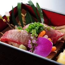 料理長イチオシの『牛炙り寿司』は別注としても人気です♪