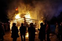 歳の神 会津の小正月 東山温泉共同駐車場にて開催される伝統の火祭り