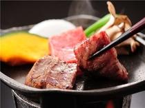 人気のメインメニュー 料理長厳選国産牛の陶版焼き