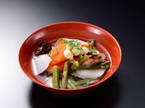 会津を代表する郷土料理「こづゆ」おめでたい席などに必ず出てくる汁椀。もともとは武家料理です。