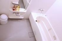 洋室バスルーム(広々とした洗い場とバスタブ。洋室は全室ジェットバス付きです。)