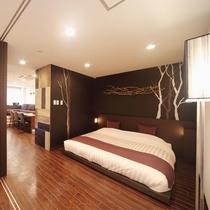 シングルベッドが2台入った寝室のほかに、ダブルベッドの入った寝室もあります。