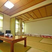 【旧館和室12畳】どこか懐かしい畳の香りがするお部屋はとっても落ち着きます♪
