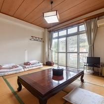 *【客室一例:本館和室8畳】畳のお部屋でホッと一息♪