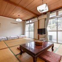 *【客室一例:本館和室12畳】ファミリー旅行やグループ旅におススメ!広めの和室です。