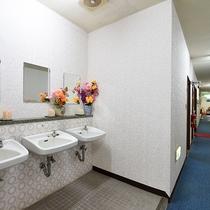 *【施設内設備:共同洗面】共用スペースは清潔に管理しております。