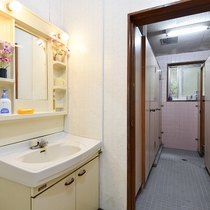 *【共同トイレ】いつも清潔を心がけております。