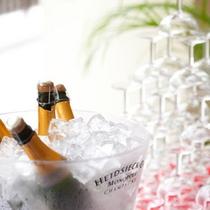 *スパークリングワイン/別料金なく飲み放題♪程よく飲んで軽やかなバケーションを。