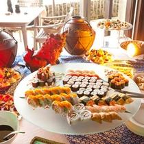 *お夕食一例/新鮮なお魚を使ったお寿司やカリフォルニアロールも。