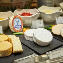 夕食一例/チーズ&ドライフルーツ。お酒のおともに。