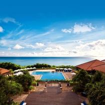 *プール/世界屈指の美しい海と手つかずの自然に囲まれた琉球文化の息づくアイランドリゾート