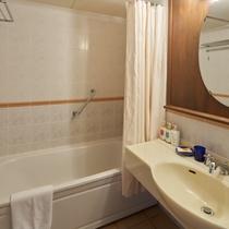 バスルーム/ゆとりのあるスペースで、ゆっくりとご準備を。