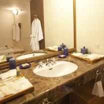 *バスルーム(一例)/ゆとりのあるスペースで、ゆっくりとご準備を。