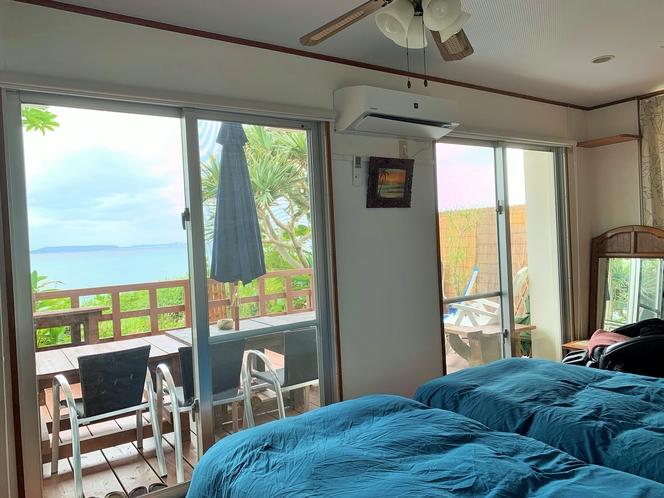 海の見えるシングルベッド