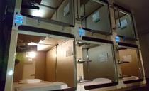 ワイドタイプのカプセルルーム
