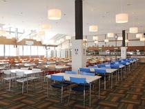 開放感のあるスキーロッジレストラン200席 土日祝はランチ営業有(11:00~15:00)