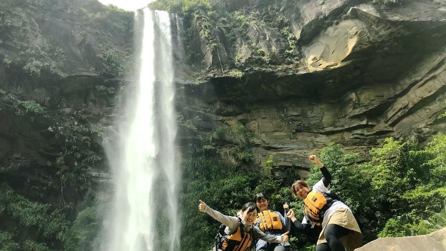 *トレッキングコースのゴールはピナイサーラの滝!