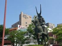 井伊直政&ホテル (JR彦根駅西口)