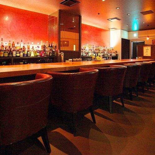 BAR「Salon Bar Thistle(サロン バー シスル)」(1階) 18:00~25:00